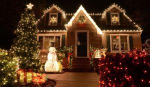 дом и снеговик