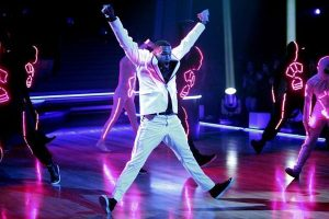 110329_dwts_chris_brown3
